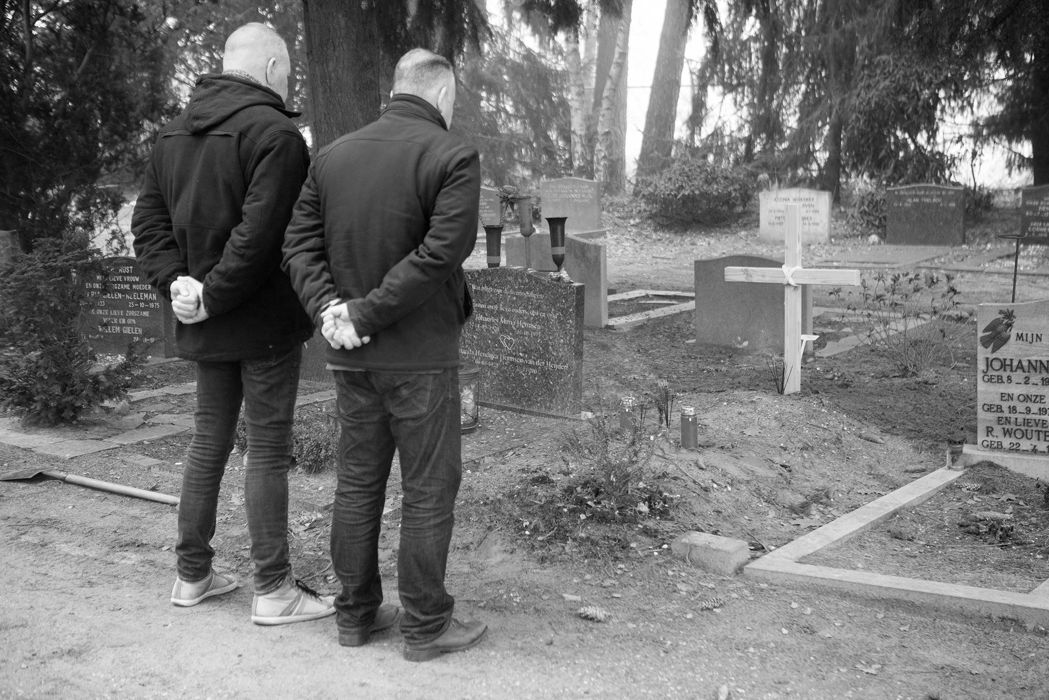 20161220-recherche-utrecht-plaatst-kruis-bij-onbekende-dode-man-2b